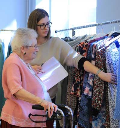 Pouvoir choisir soi-même dans la boutique éphémère dans les EHPAD et maisons de retraite